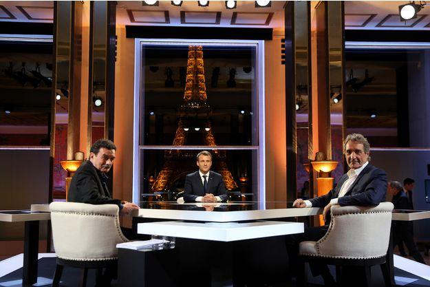 Emmanuel Macron baisse de moitié le prix du permis de chasse national