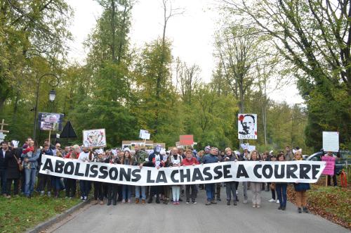 Succès du rassemblement anti-chasse à courre du 28 octobre 2017